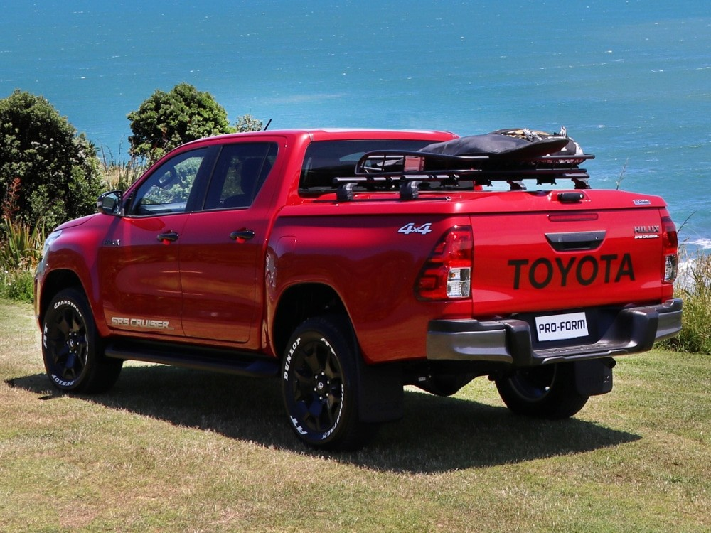 Pro-Form Sportlid Toyota Hilux DC 2016+